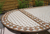 Table jardin mosaïque en fer forgé Table jardin mosaique ovale 230cm (table rectangle plus consoles) Céramique Blanche et ses losanges en Argile cuite