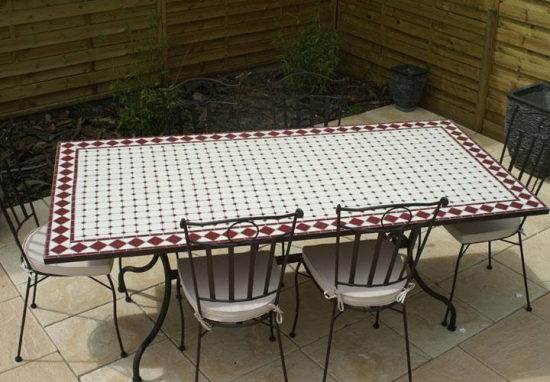 Table jardin mosaique rectangle 200cm c ramique blanche et ses losanges en c ramique rouge - Table de jardin ceramique et fer forge ...