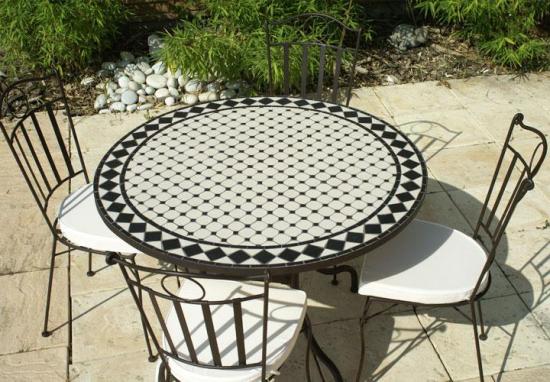 table jardin mosaique ronde 90cm c ramique blanche losange ardoise table jardin mosa que. Black Bedroom Furniture Sets. Home Design Ideas