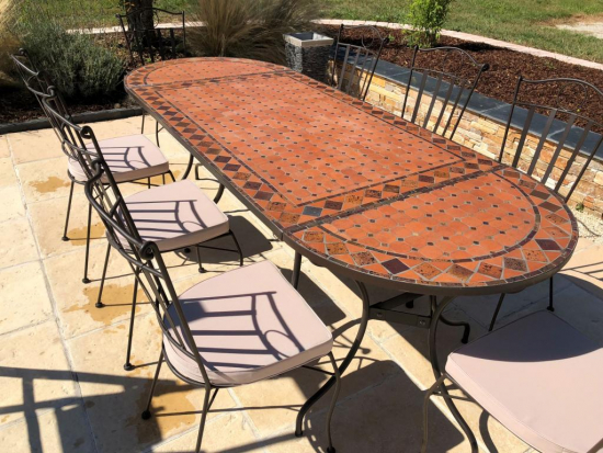 Table jardin mosaïque en fer forgé Table jardin mosaique ovale 300cm (table rectangle plus consoles) Terre cuite et losanges Argile cuite