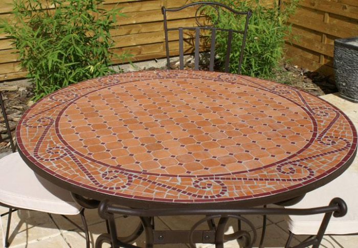 Table jardin mosaique ronde 110cm terre cuite arabesque rouge table jardin mosa que for Achat table de jardin mosaique