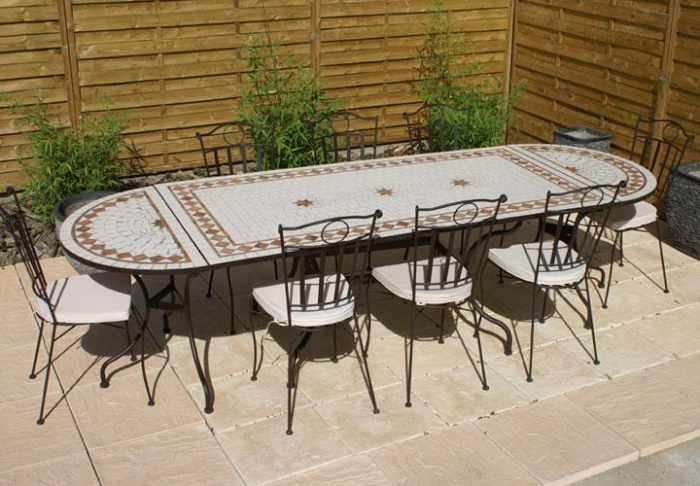 Table jardin mosaique ovale 300cm table rectangle plus consoles c ramique blanche et ses for Comment realiser une table de jardin en mosaique