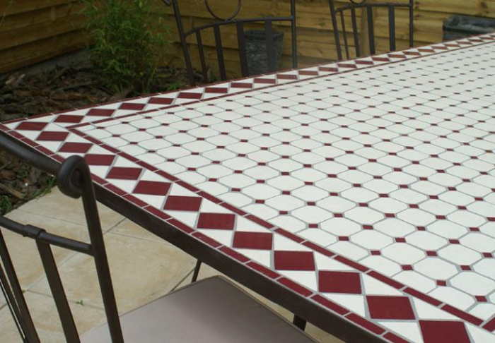 Table jardin mosaique ovale 300cm (table rectangle plus consoles) Céramique  Blanche et ses losanges en Céramique Rouge