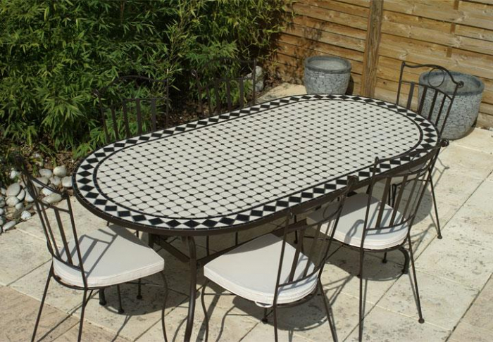 Table jardin mosaique ovale 200cm c ramique blanche losange en ardoise table jardin mosa que for Comment realiser une table de jardin en mosaique