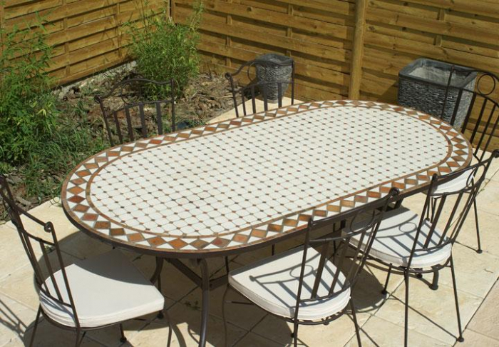 table jardin mosaique ovale 160cm c ramique blanche et ses losanges en argile cuite table. Black Bedroom Furniture Sets. Home Design Ideas