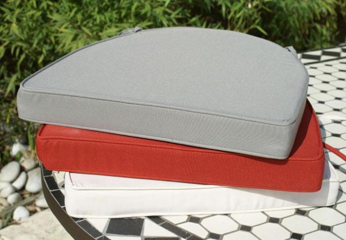 coussin de couleur gris table jardin mosa que. Black Bedroom Furniture Sets. Home Design Ideas