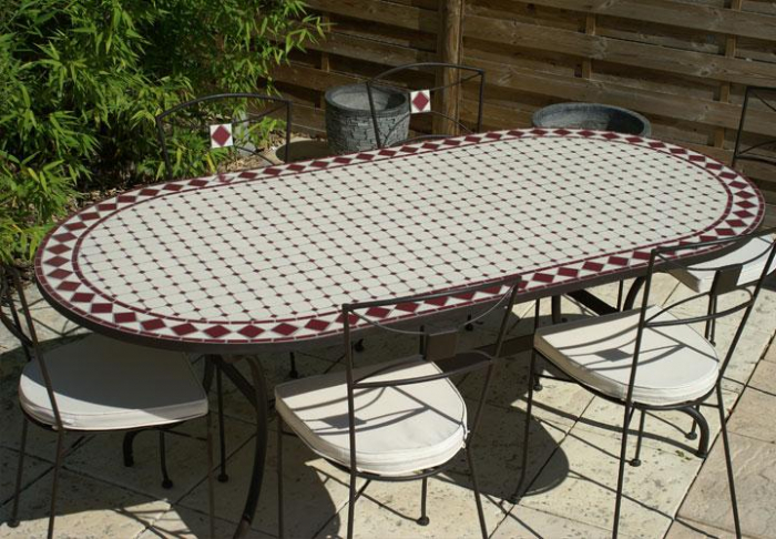 Table jardin mosaique ovale 160cm Céramique Blanche et ses losanges en  Céramique Rouge
