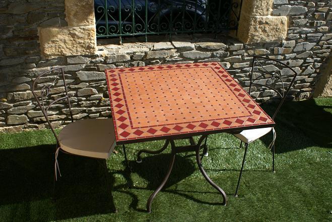 Table jardin mosaique carrée 90cm x 90 cm en Terre Cuite et losange ...