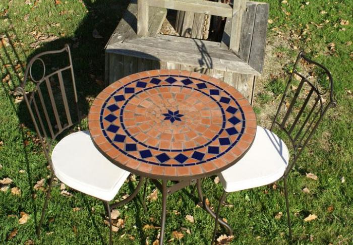 Table jardin mosaique ronde 80cm en Terre cuite et losange 1 étoile en  Céramique Bleue