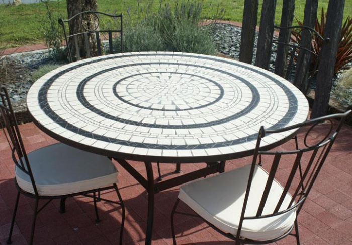 table jardin mosaique ronde 130cm c ramique blanche 3 cercles ardoise table jardin mosa que. Black Bedroom Furniture Sets. Home Design Ideas