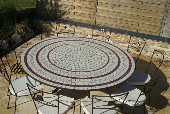 Table jardin mosaique ronde 150cm Blanc 3 cercles Céramique Rouge