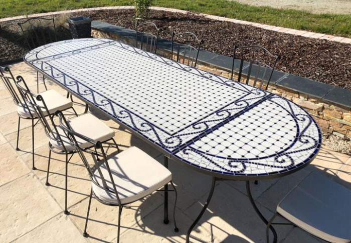Table jardin mosaique rectangle 200cm Céramique Blanche et ses Arabesques  en Céramique Bleue