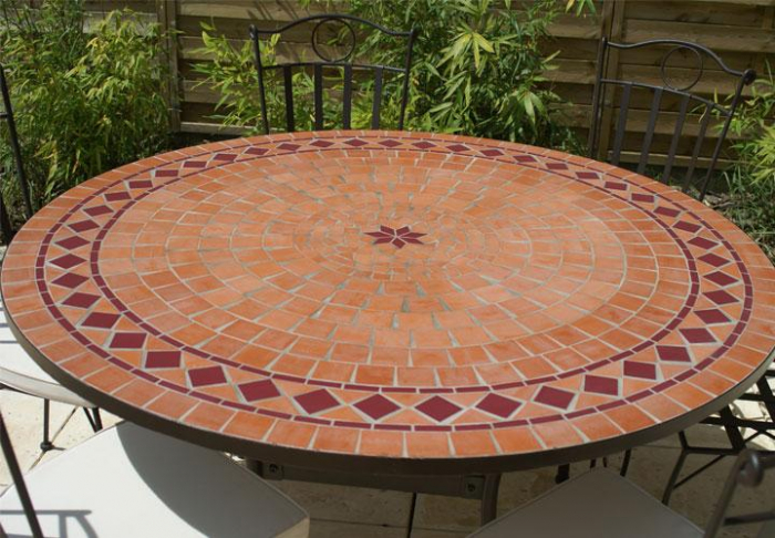 table jardin mosaique ronde 130cm terre cuite et losanges 1 toile c ramique rouge table. Black Bedroom Furniture Sets. Home Design Ideas